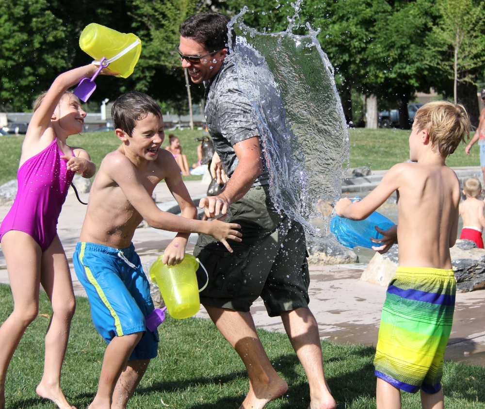 7 Simple Ways to Keep Your Kids Entertained Over the Summer