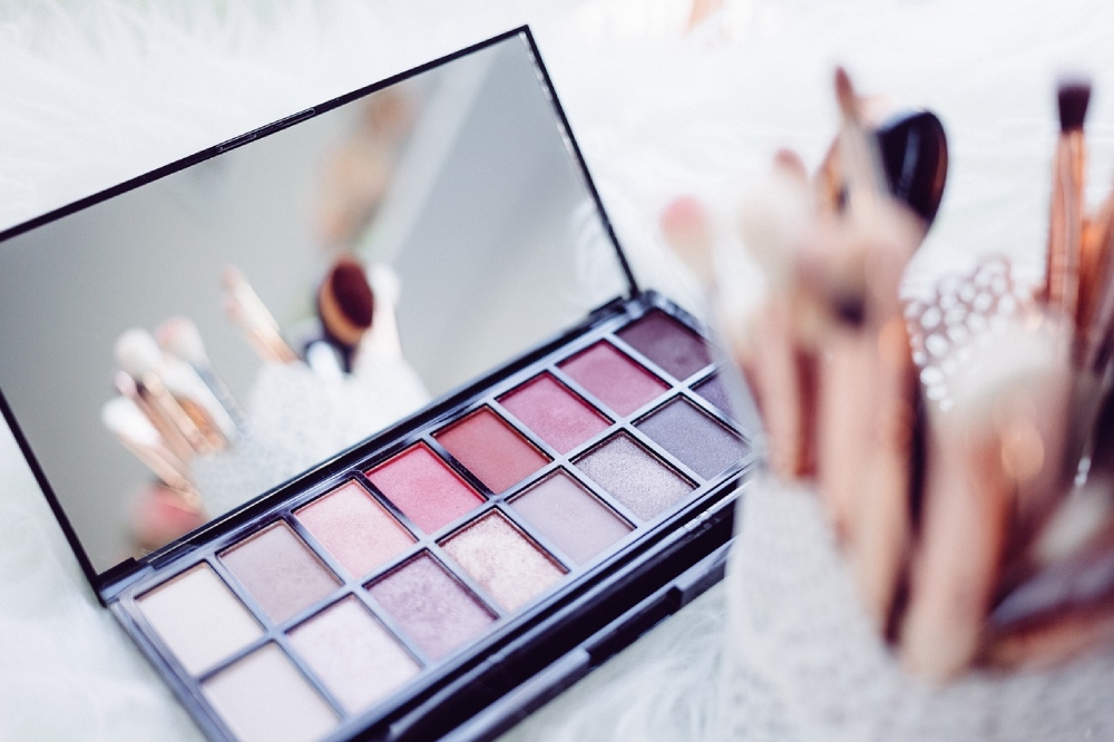 Is Your Teen Asking For Expensive Makeup For Christmas? Here Are Some Great Alternatives