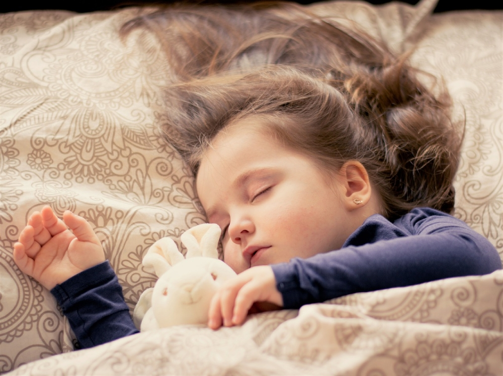 Sleep tips for toddlers... get them to sleep through the night starting tonight!