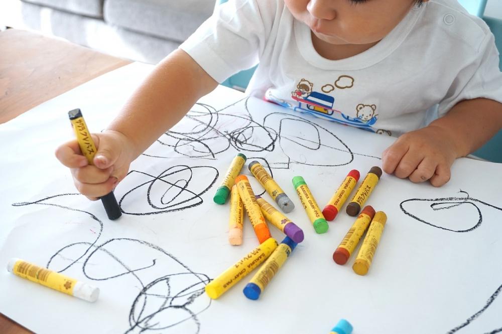 Indoor activities to keep kids busy